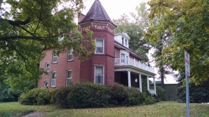 Warm Shower stay in Cape Girardeau- 1904 Home